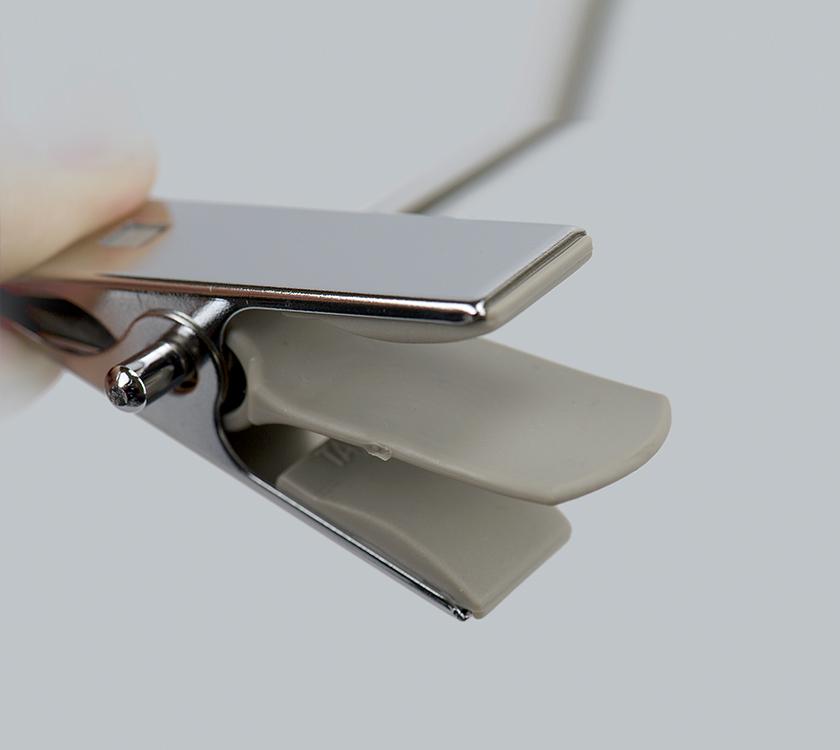 metal clip hanger