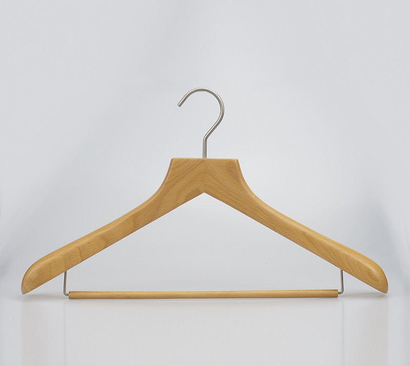 wooden luxury suit hanger with anti slip bar