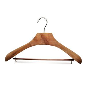 Suministro de percha de madera de cedro de lujo