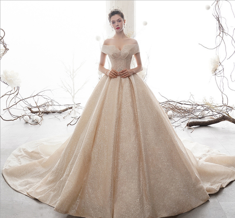 vestido de noiva com cabide de cetim
