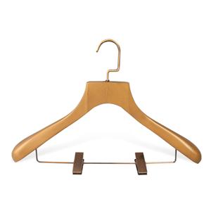 Suspensión de traje de madera de hombro ancho de marca de lujo personalizada