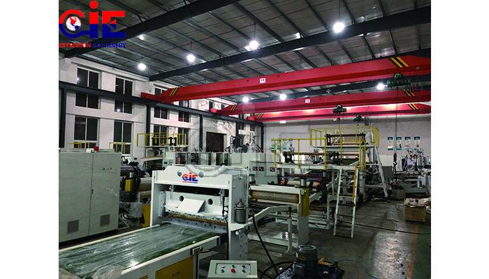 Plastic sheet extrusion equipment