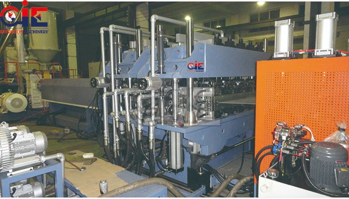 PP PE Construction Hollow Board Extrusion Machinery
