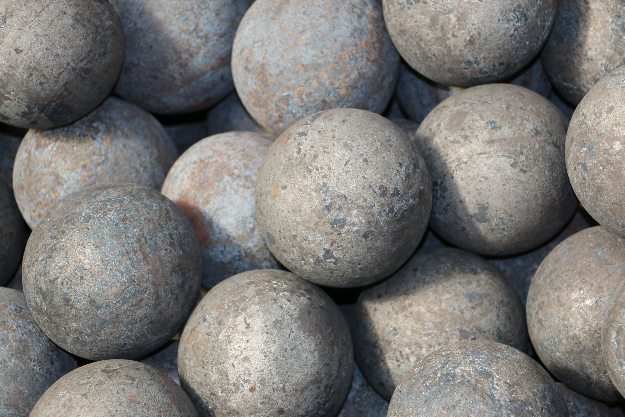 Custom Brands B3 Or B4 Forged Grinding Steel BallsGrinding balls Manufacturers