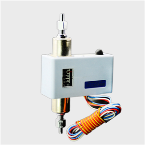 Ammonia CWK-22 differential pressure switch controller