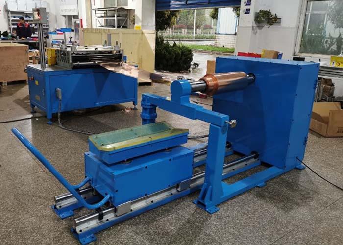 Coil cutting machine