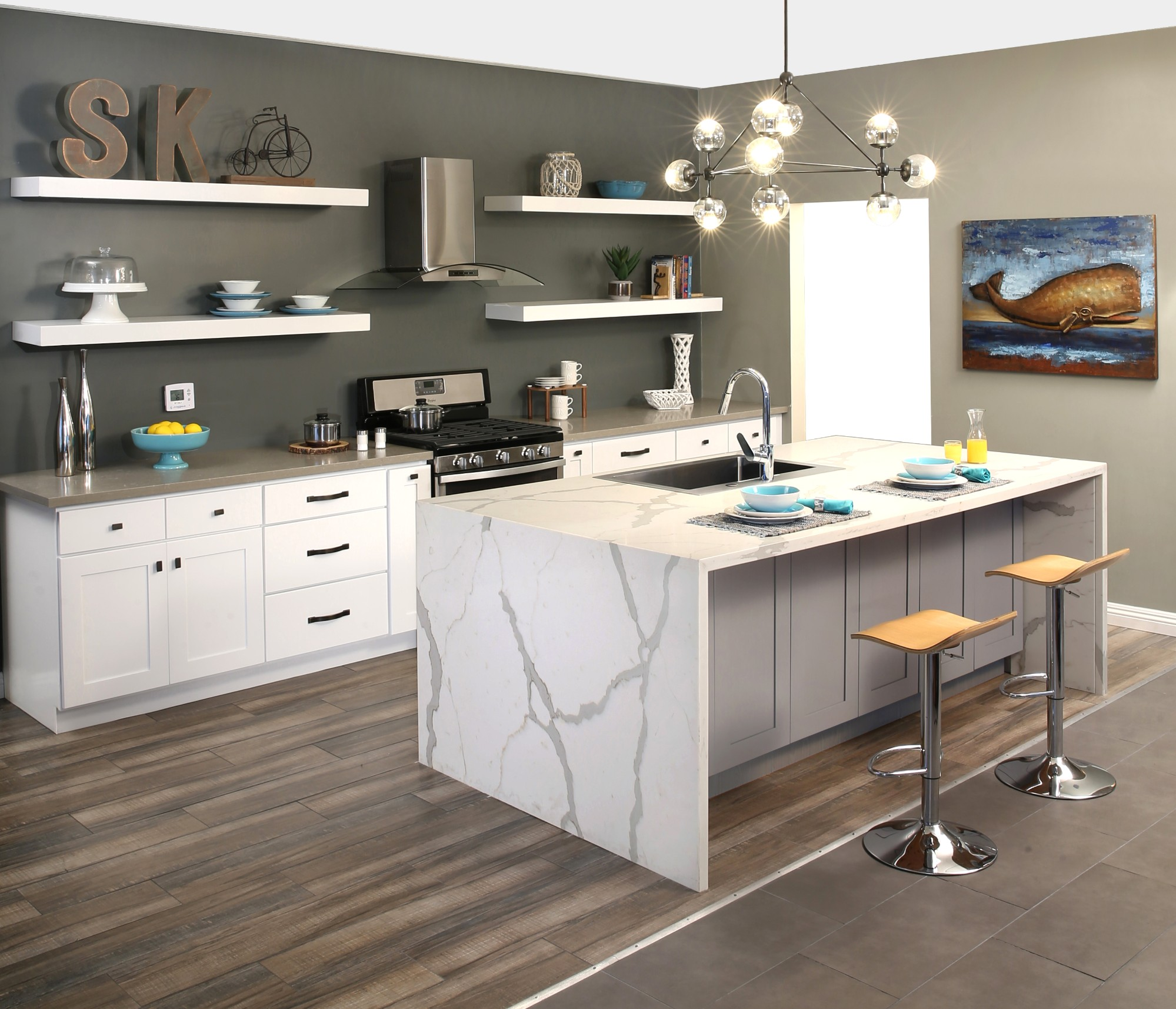 China Brands White Shaker Solidwood Kitchen Cabinet Factory