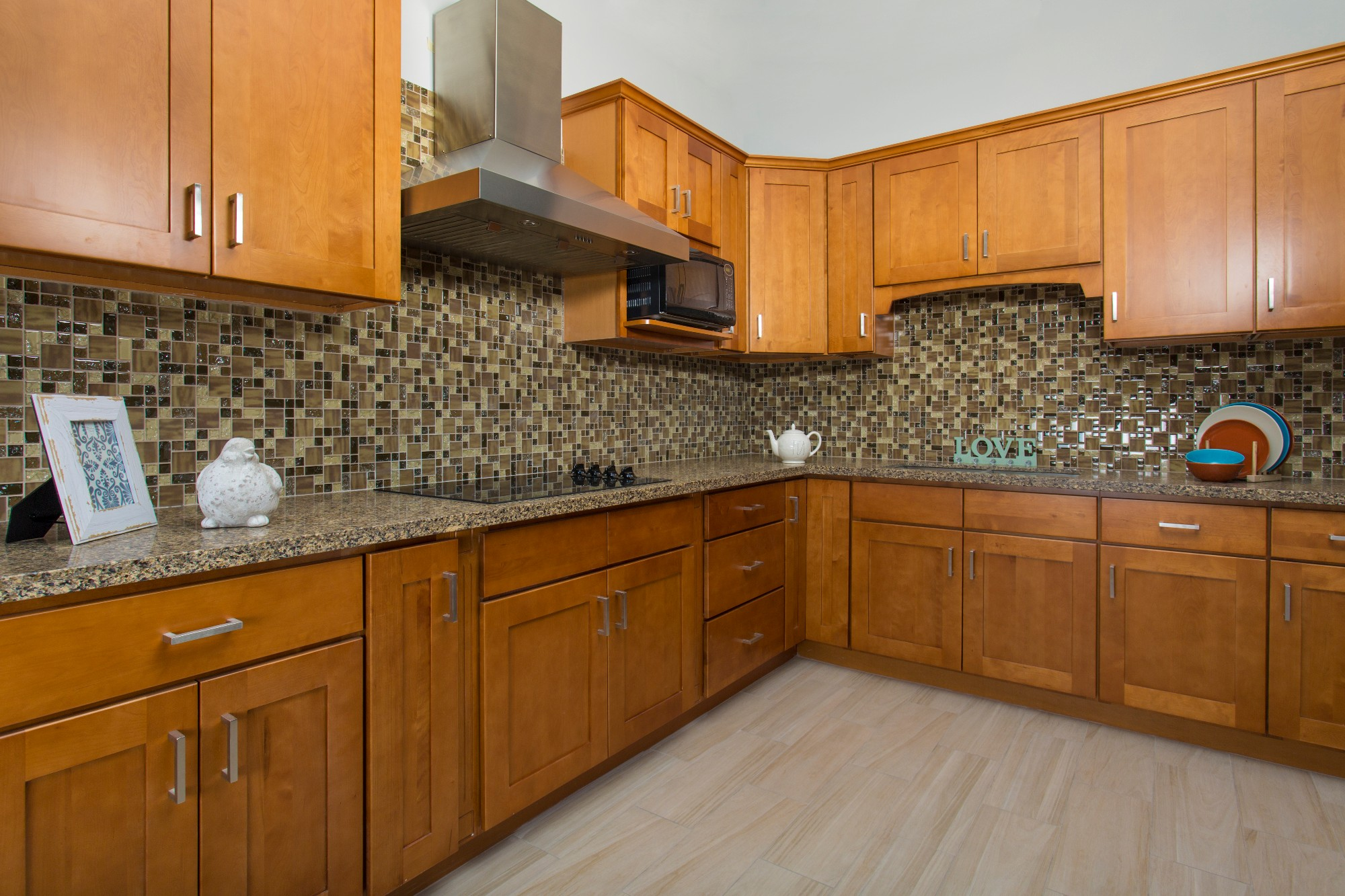 Honey Shaker Solidwood Kitchen Cabinet Manufacturers, Honey Shaker Solidwood Kitchen Cabinet Factory, Supply Honey Shaker Solidwood Kitchen Cabinet