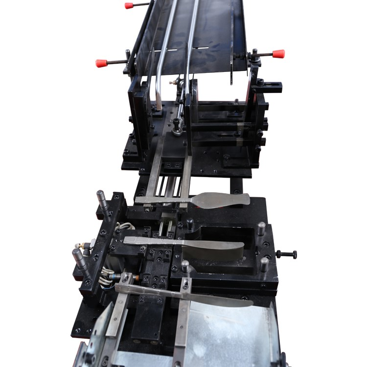 Automatic Feeding For Cutlery Kinfe Stamping 2 In 1
