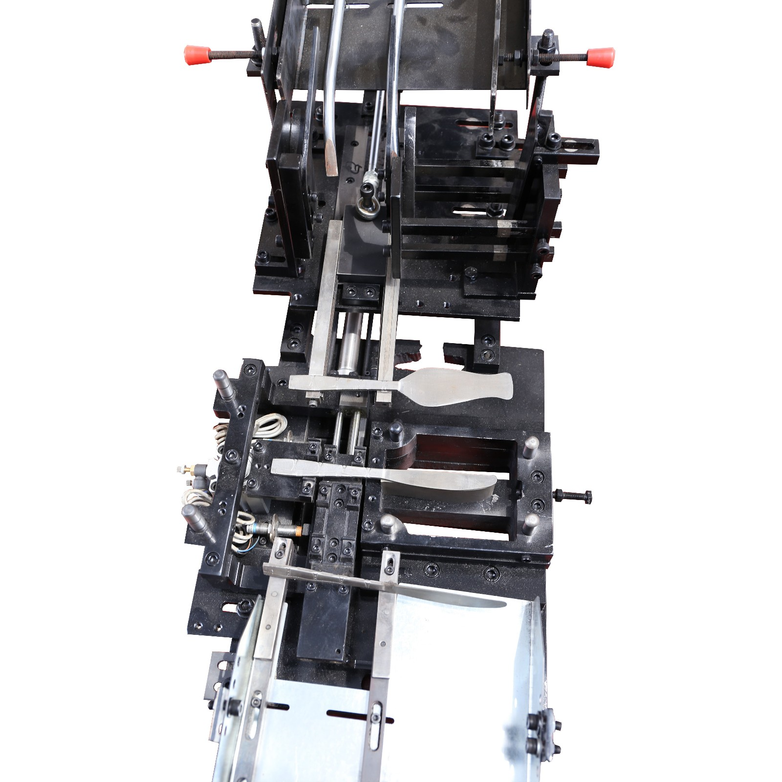 auto system for cutlery making