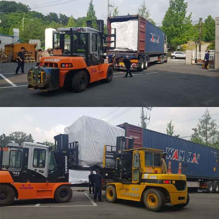Arrival and undloading of TAKAM CNC machine tools in South Korea