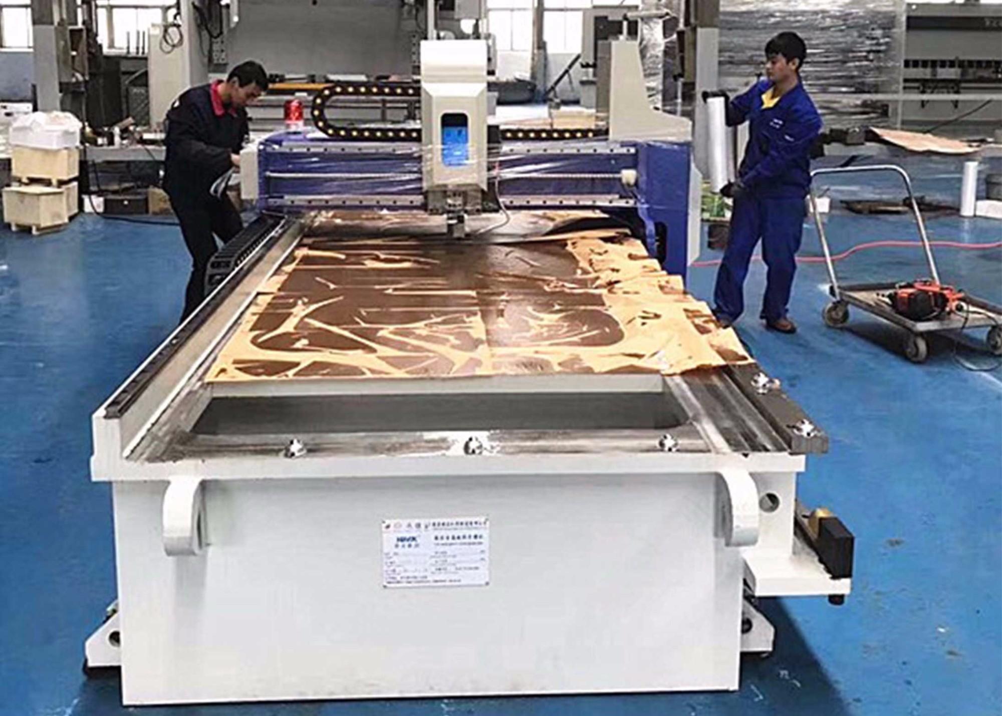 Máquina cortadora de ranuras en V