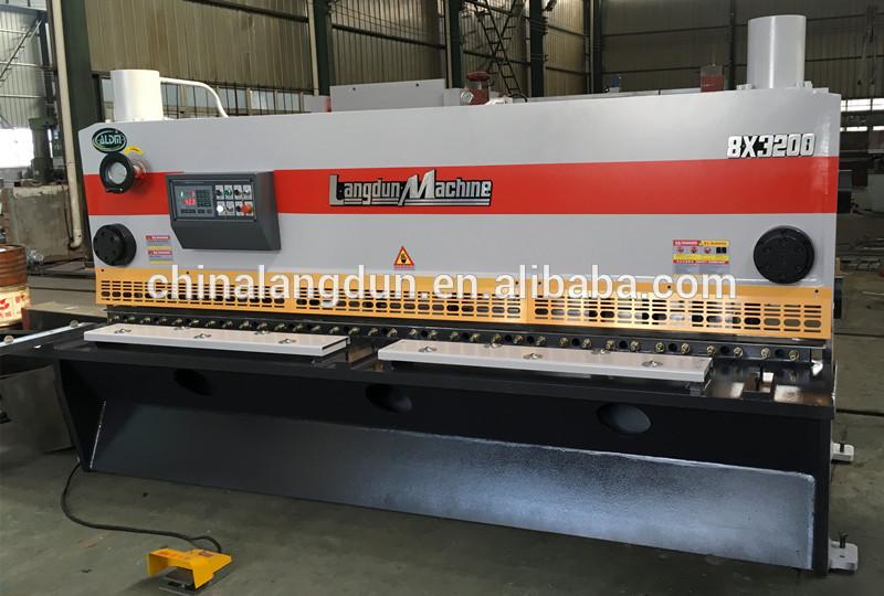 CNC sheet shearing machine
