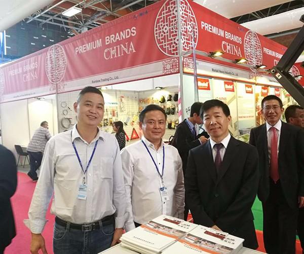 Equipo de Exposiciones Extranjeras