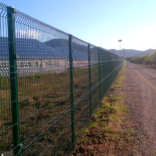 2.5m Used Field V Mesh Security Fencing
