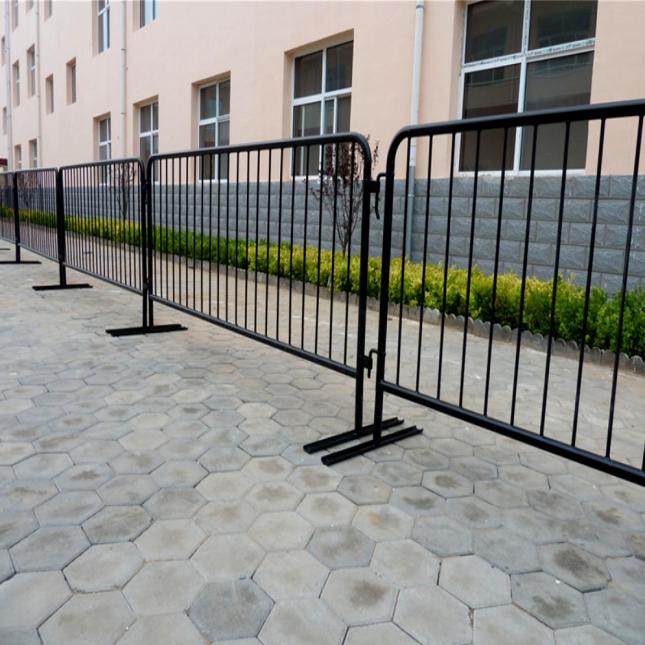 Detachable Leg Metal Barriers 5ft