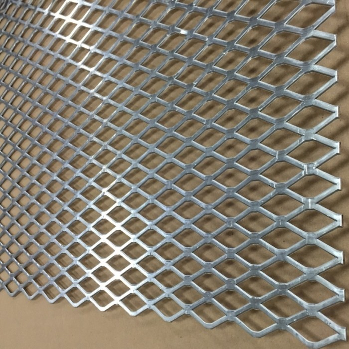 8ft Expanded Metal Sheet
