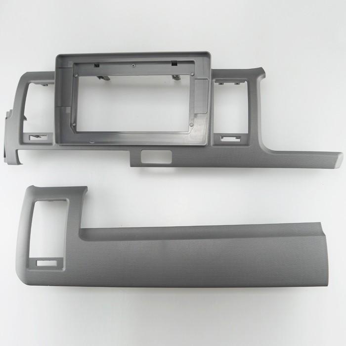 Toyota Hiace 2010-2018 10 inch frame installation