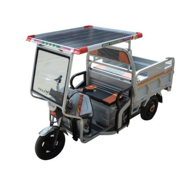 Solar Panel provide power for electric cargo trike
