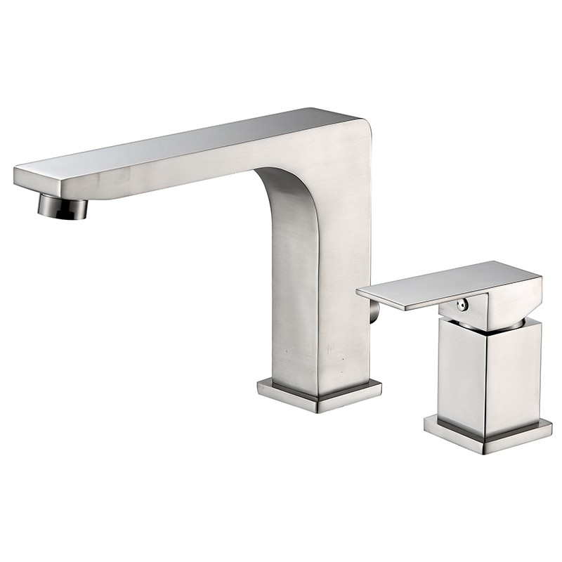 Brushed Nickel Roman Tub Faucet Set