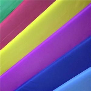 100% पॉलिएस्टर 210T पु 1000 मिमी पनरोक तफ़ता कपड़े