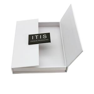 Cardboard Magnetic Packaging A Gift Box