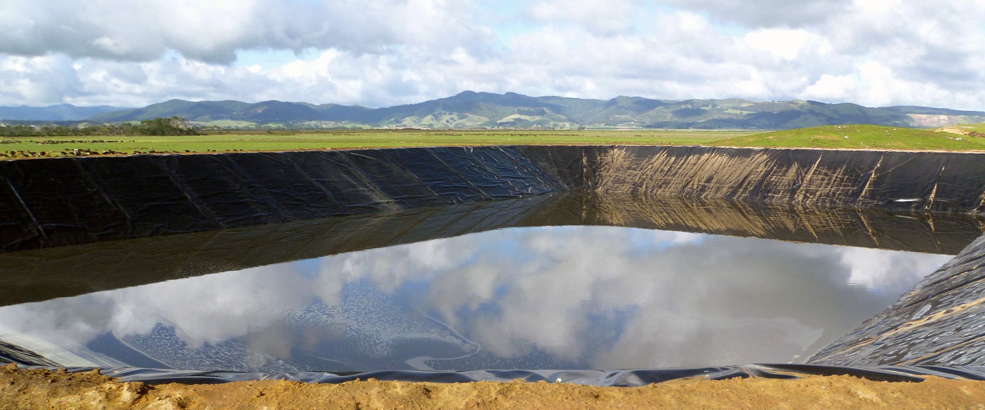FURNIZOR DIRECT DE GEOMEMBRANE ȘI GEOTEXTILE