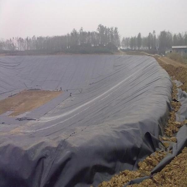 smooth surface geomembrane