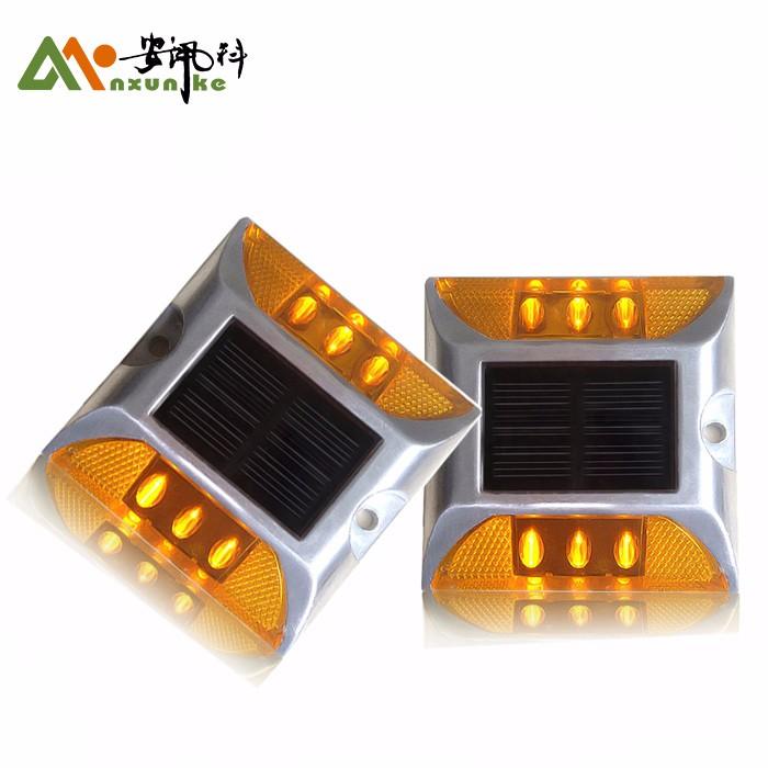 Bright LED Solar Reflectors Cat Eyes Road Stud