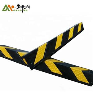 Reflective Rubber Wall Angle Corner Guard