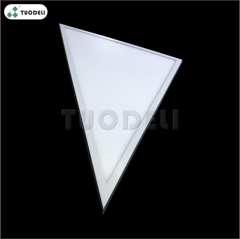 Lampada da soffitto a LED a triangolo in alluminio