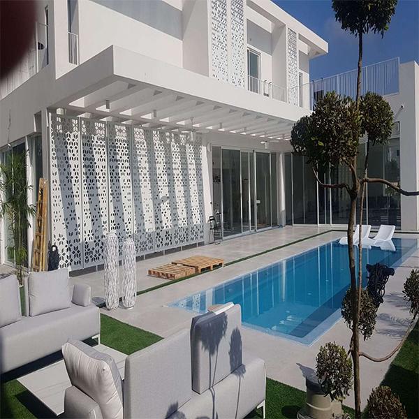 Decorazione esterna della villa in Israele