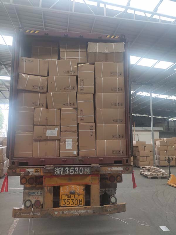 Csomagolás és szállítás
