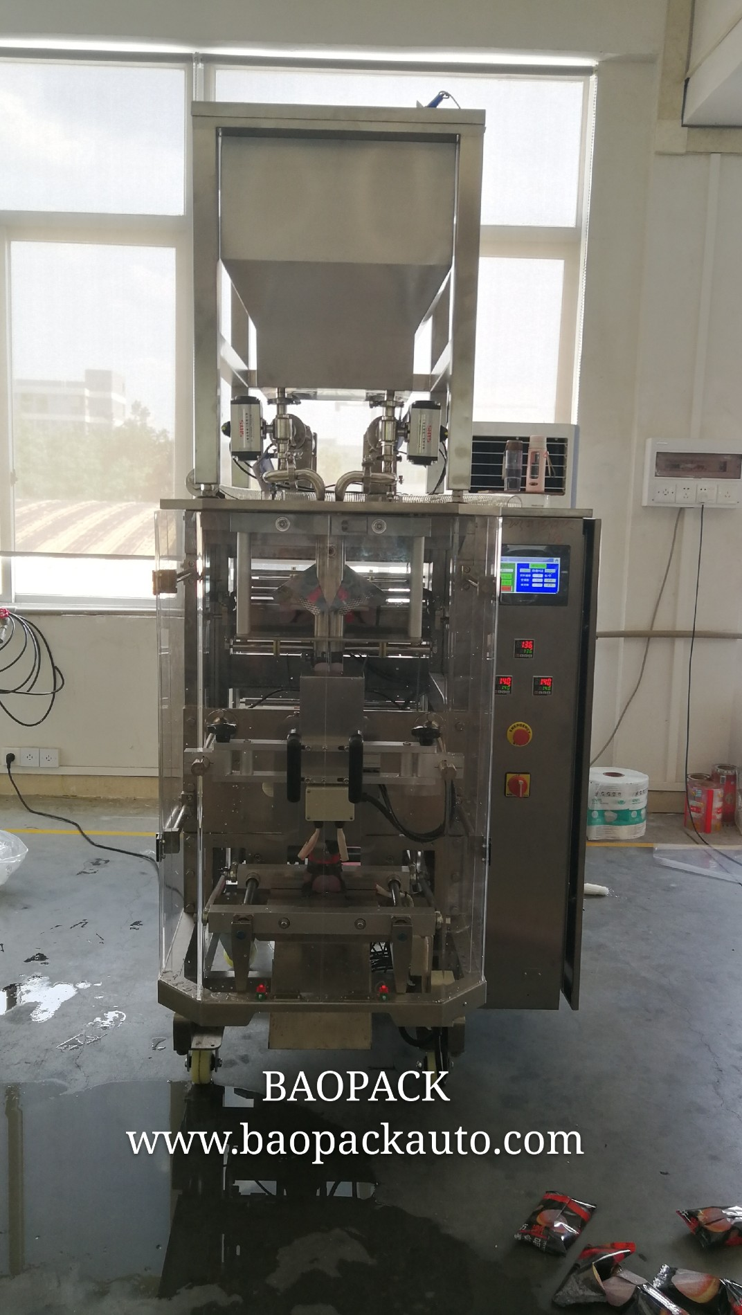 Baopack VP42 Vertical Packing Machine With Liquid Pump in Low Price