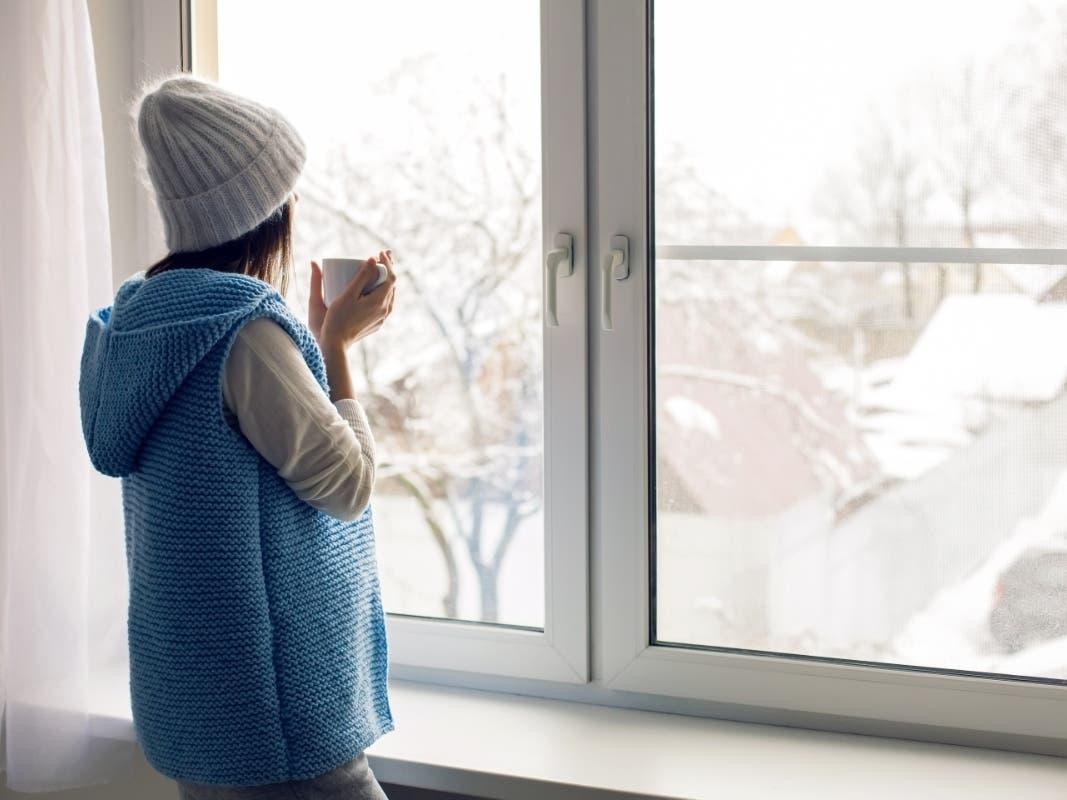 Cum să întrețineți mașinile pentru fabricarea ușilor și ferestrelor în timpul iernii?