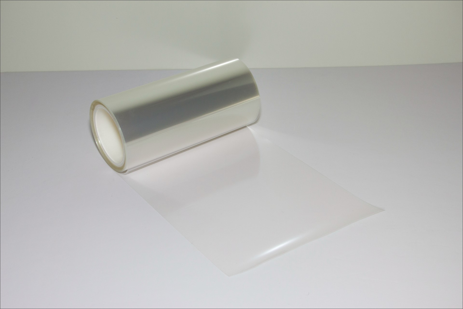 High temperature resistant PET release film for ceramic capacitor producing