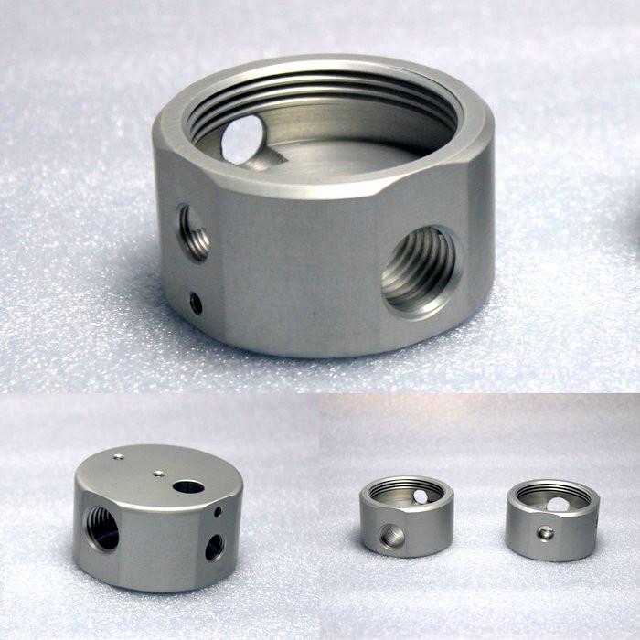 Componenti torniti Parti in alluminio