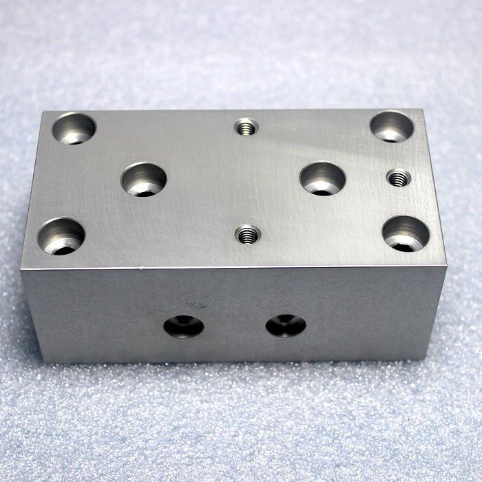 Lucidatura dell'acciaio inossidabile delle parti di fresatura di CNC