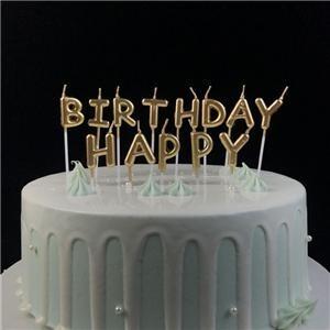 Bougies d'anniversaire en forme de lettre décorative