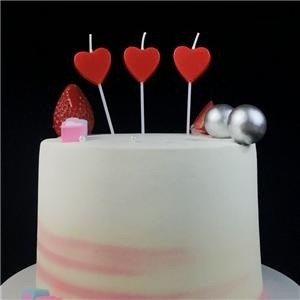 Plus plat coeur rouge en forme de gâteau d'anniversaire bougie pour la décoration