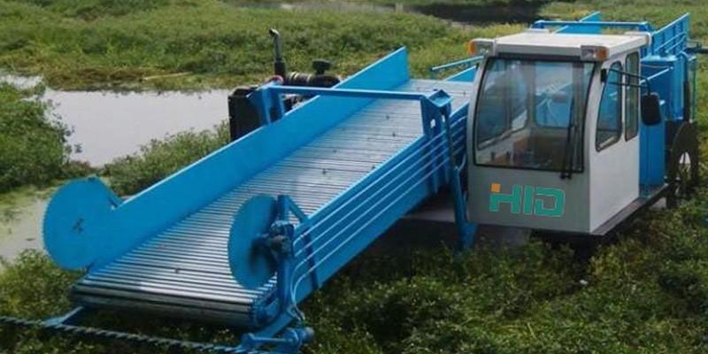Mașini de recoltat plante în râuri și lacuri