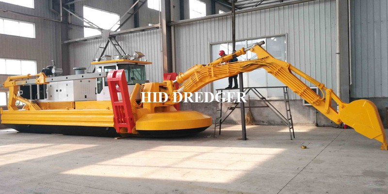 in Stock Multifunctional Amphibious Dredger for sale Factory