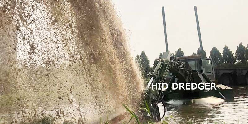 China Amphibious Multipurpose Dredger Work on Land/Water for Sand Mining