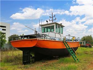 Tunda Tug Boat untuk mengangkat sauh