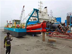 Pemasangan HID-CSD-3012P Cutter Suction Dredger yang berjaya direka untuk perlombongan pasir / terumbu karang di Dubai
