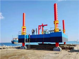 Heavy Deck Crane/Excavators Supporting Pontoon Platforms with Spuds