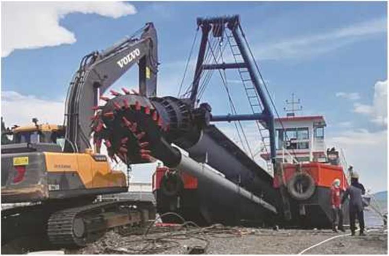 HID-CSD-4016 मॉडल कटर सक्शन ड्रेजर पोर्ट विकास और फिलीपींस में रखरखाव