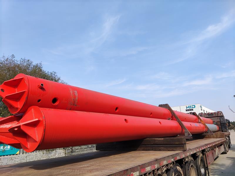 सिंगापुर के लिए बजरा वितरण पर प्रयुक्त 35 मीटर लंबाई के स्पड