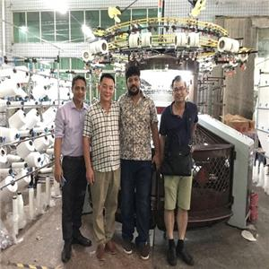 Warmly welcome foreign customers to visit our factory
