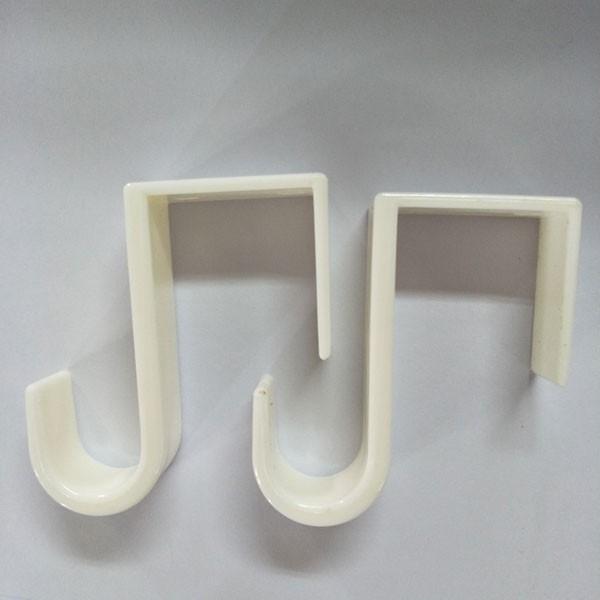 Crochets utilitaires longs en plastique blanc